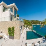 Villa Exclusive Bra with swimming pool on the island of Bra in Croatia 30